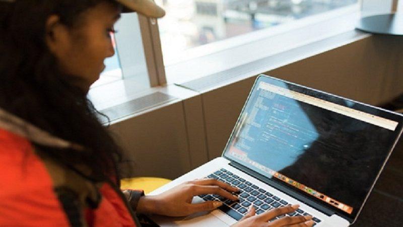 Trouver une école pour une formation en informatique : notre top 3